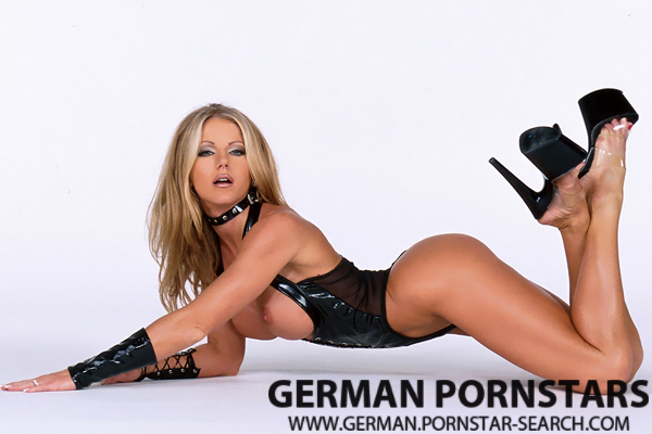 Busty German Pornstar Amber Michaels Free Porn Movies & Pictures - Click here !